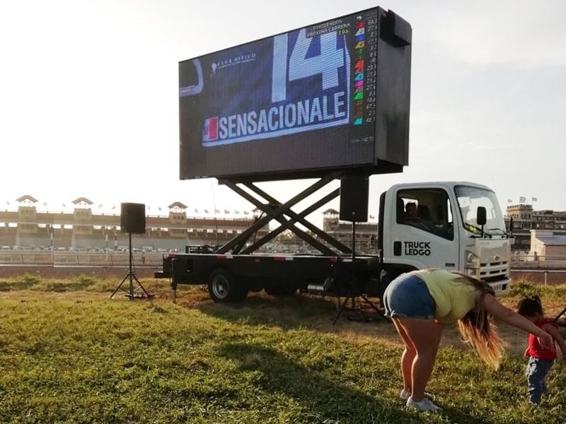 arriendo camion led premio latinoamericano 2